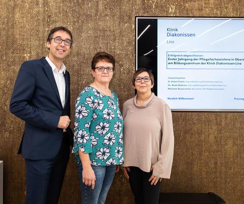 Erster Ausbildungsjahrgang Pflegefachassistenz 2018 am Bildungszentrum Diakonissen Linz abgeschlossen